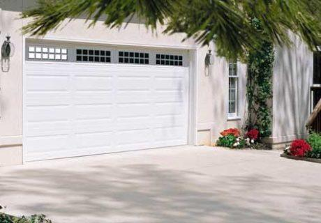 Amarr® Lincoln garage doors