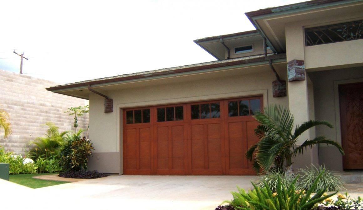 Heritage Classic™ E-Series garage doors